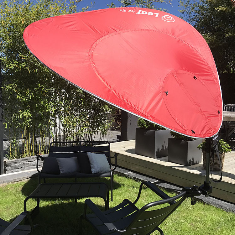 Black Leaf : Nomadischer Sonnenschirm